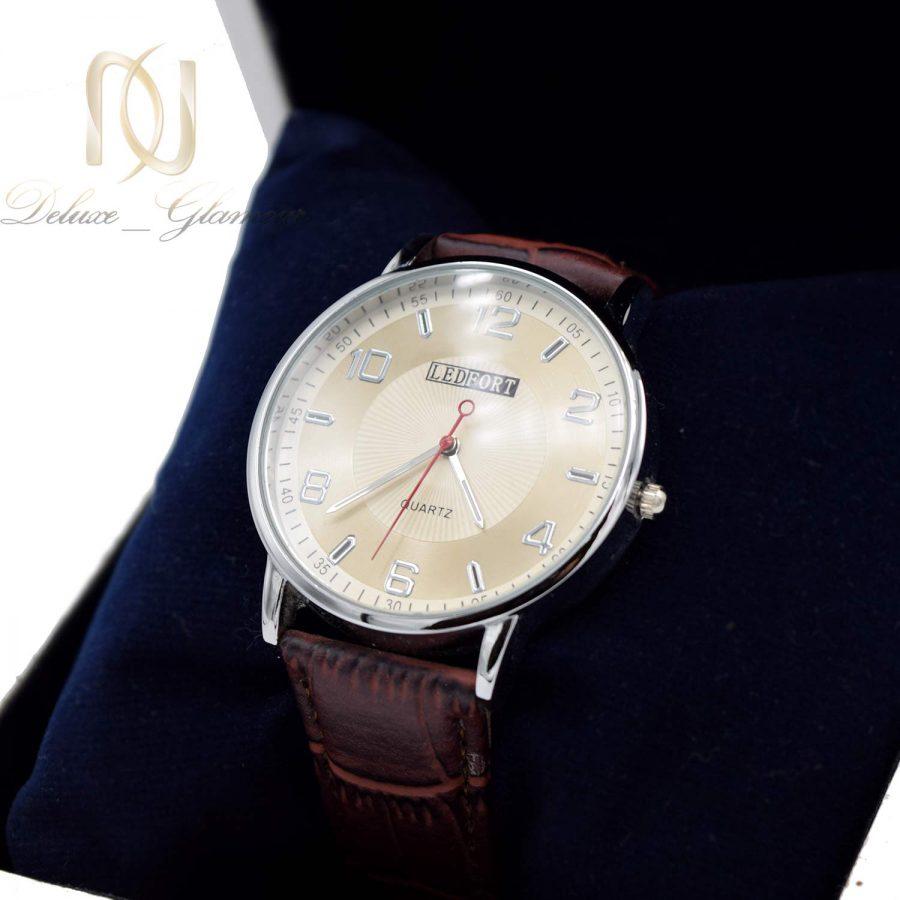 ساعت مردانه مچی چرمی wh-n186 از نمای دور
