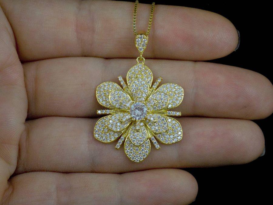 گردنبند نقره زنانه طرح گل طلایی MA-N418 از نمای روبرو