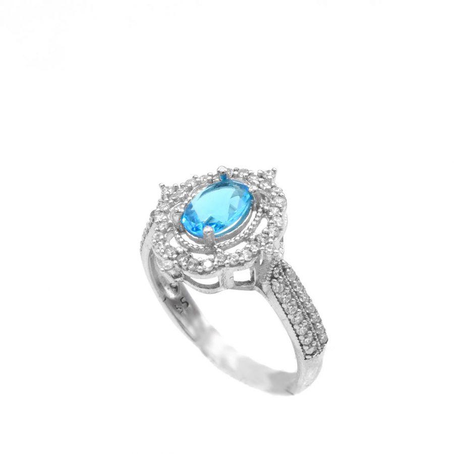انگشتر نقره زنانه نگین آبی جواهری rg-n496 از نمای روبرو
