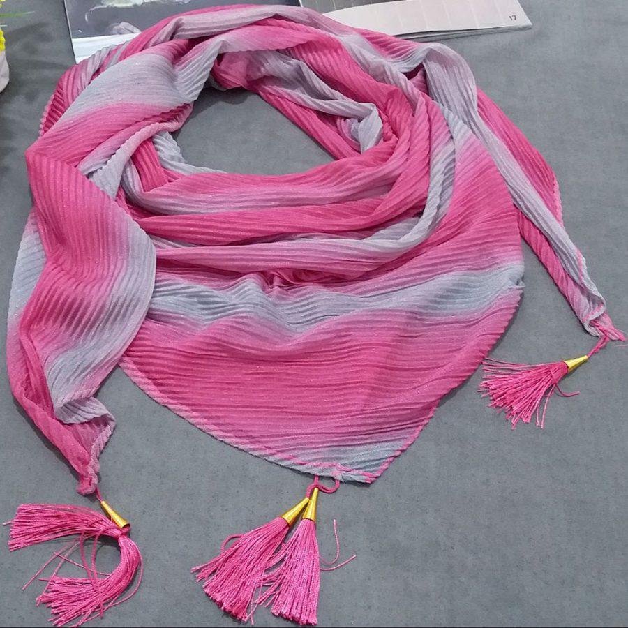 روسری ابریشم توییل طیفی صورتی طوسی از نمای کلی