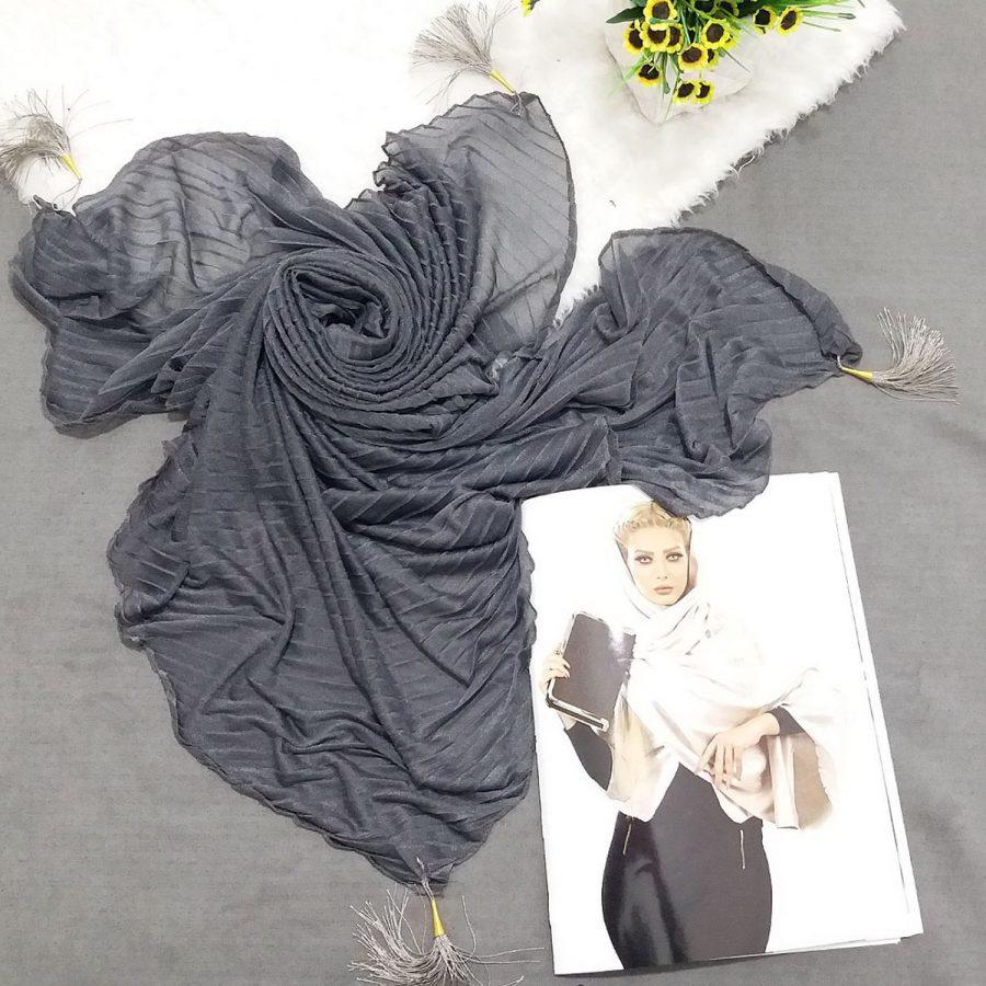 روسری پارچه شنی پایین منگوله دار پلیسه خاکستری sr-n599