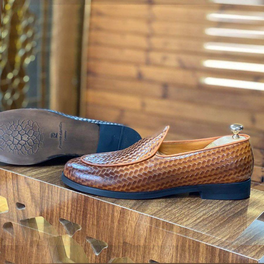کفش مردانه چرم تبریز رنگ عسلی sh-n123 از نمای روبرو