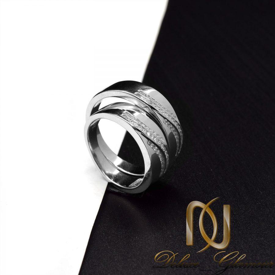 حلقه ست نقره طرح طلا سفید نگین دار rg-n522 از نمای مشکی