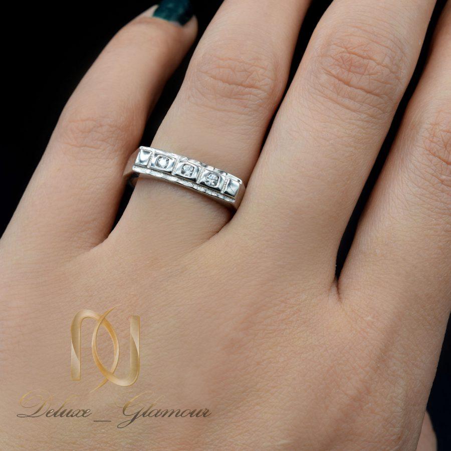 حلقه نقره طرح طلای نگین دار rg-n523 از نمای روی دست