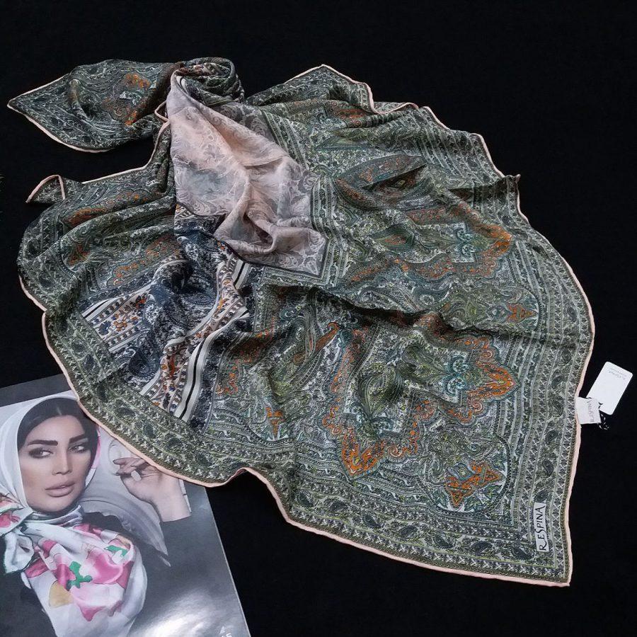 روسری مام ابریشم طرح کلاسیک پوست پیازی از نمای روبرو