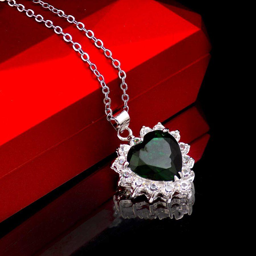 گردنبند زنانه نگین سبز طرح قلب ma-n508 از نمای بالا