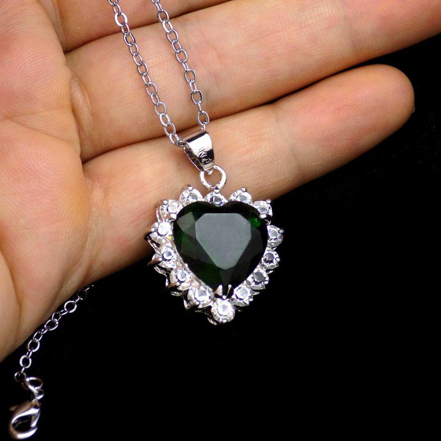گردنبند زنانه نگین سبز طرح قلب ma-n508