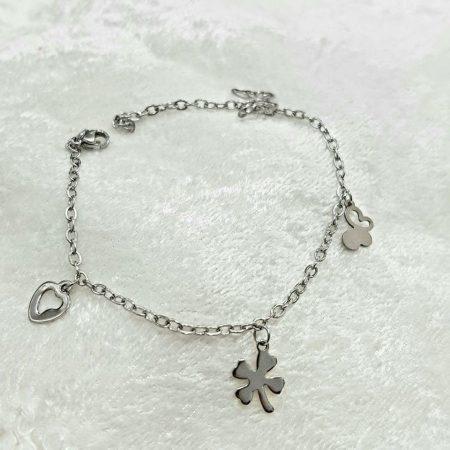 دستبند دخترانه آویز دار عمده ba-n161 از نمای بالا