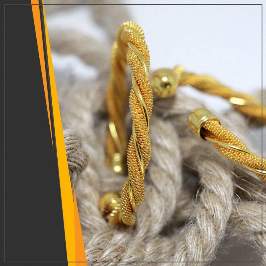 دستبند زنانه عمده طلایی ba-n108 از نمای کنار
