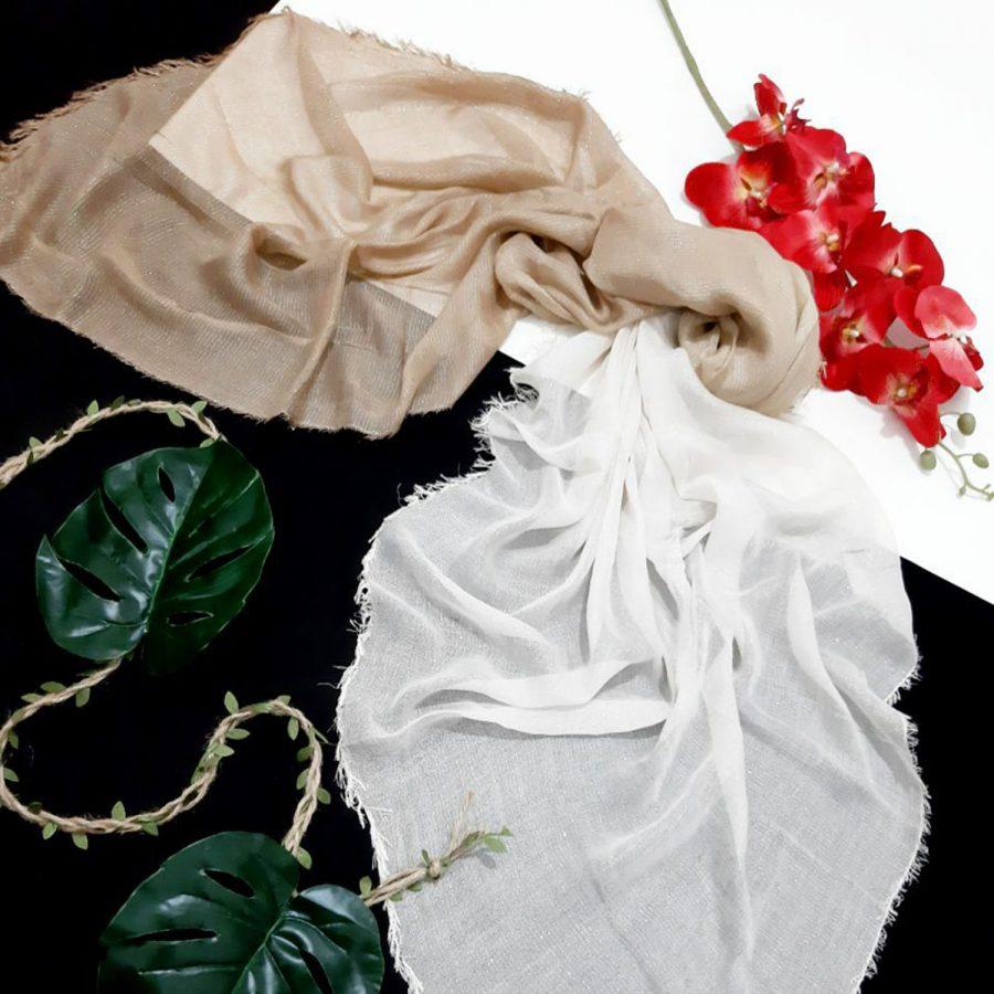 روسری نخی ریشه سوزنی کرمی از نمای کلی