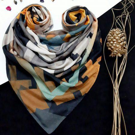 روسری نخی طرح هندسی از نمای کلی