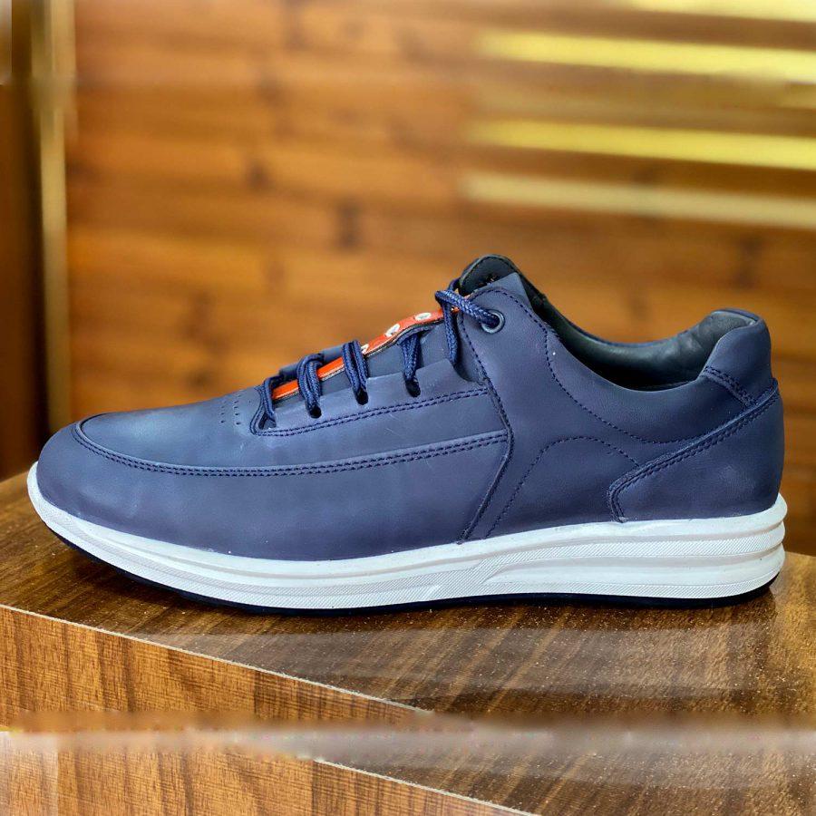 کفش مردانه چرم سرمه ای شیک sh-n155 از نمای روبرو