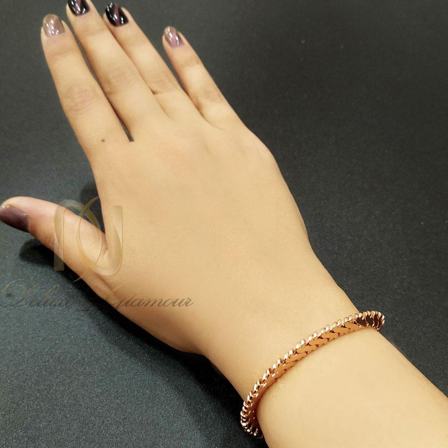 دستبند ژوپینگ رزگلد زنانه شیک ds-n686 از نمای روی دست