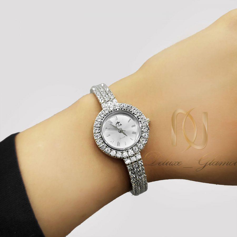 ساعت نقره جواهری زنانه نگین دار WH-N205 از نمای روی دست