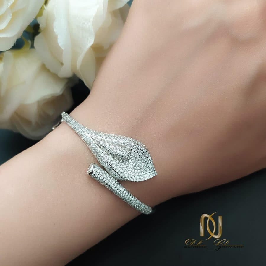 دستبند نقره زنانه طرح خاص نگین دار ds-n743